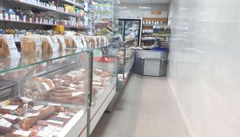 Оснащение магазинов в Сафоново витринами нового дизайна