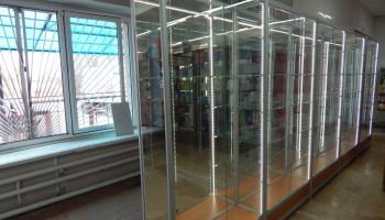 Оснащен магазин (п. Жуково) витрины из ал. профиля с подсветкой